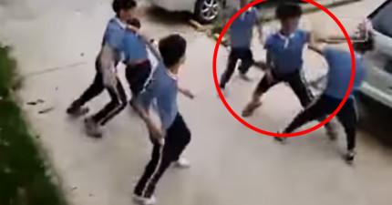 5名國小生原本要圍毆一名同學,不料他開大絕用超猛連續技「以1打5」!