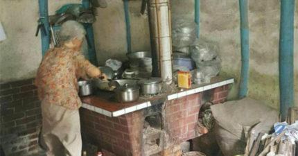 遊子們都哭了!94歲嬤駕馭「古早味大灶」煮出家鄉味,網友狂曬照:煮出來特別香!
