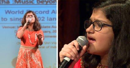 12歲女孩用「102種語言、連續飆歌6小時」一次打破2項世界紀錄!網友:口音驚人的標準,不是隨便亂唱...(影片)