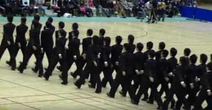 日本集體行動走出藝術 「魔性方陣穿插」讓網跪著看!