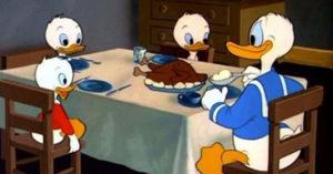 13個從小看到大都沒人發現「迪士尼電影荒謬邏輯」 唐老鴨吃鴨!
