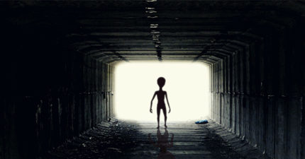 專家稱「外星人早就發現人類」只是不想曝光 地球是他們的「銀河動物園」...拿來觀察的!