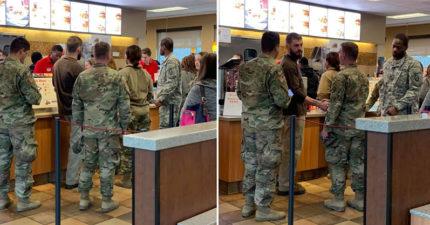 意外遇上「制服男」他急著掏錢包 沒多久「9名軍人開門進來」神展開讓網友淚崩!