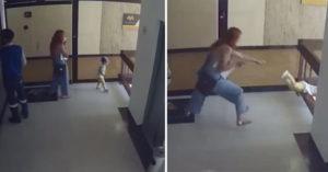 影/只差一秒!天真兒意外「穿過欄杆」往下掉 媽媽「超機智反應」神救援