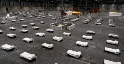 西班牙太平間爆滿「只能塞溜冰場」 殯葬業「缺防疫物資」喊停:沒辦法再收人